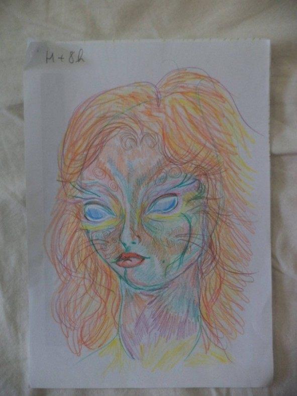 Dziewczyna wzieła LSD i przez cała noc malowała swoje portrety 9