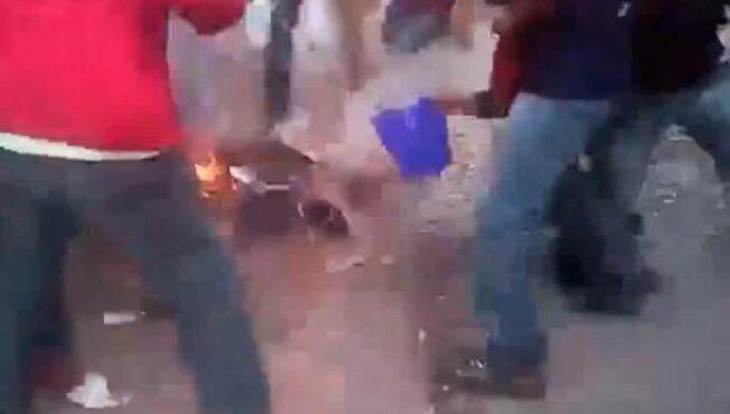 Zapalony protestujacy 4