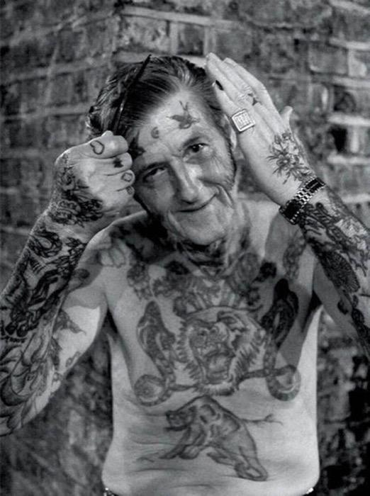 staruszkowie z tatuazami 2