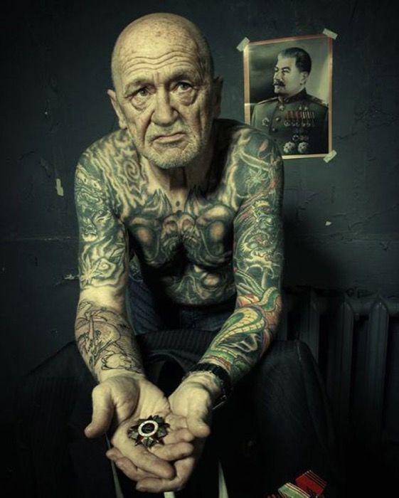 staruszkowie z tatuazami 3