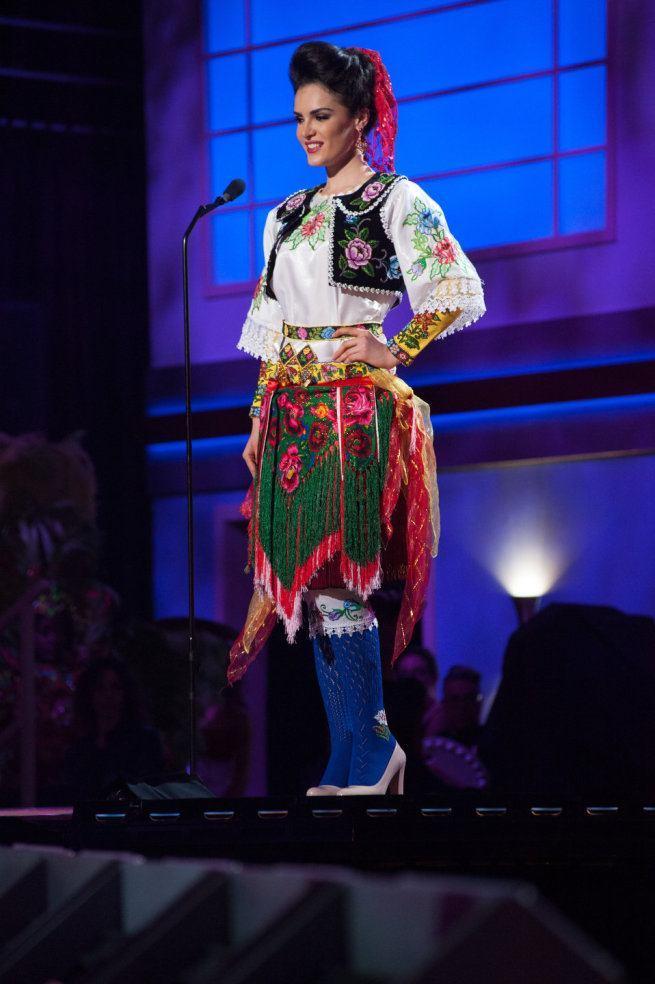 Miss Universe 2015 - 01 - Albania