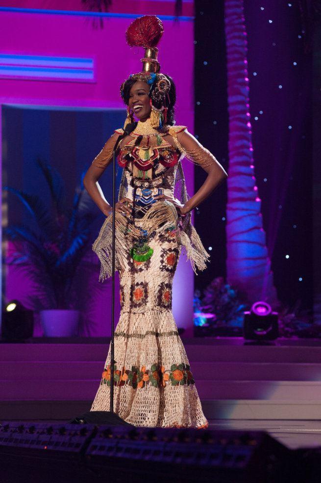 Miss Universe 2015 - 02 - Angola