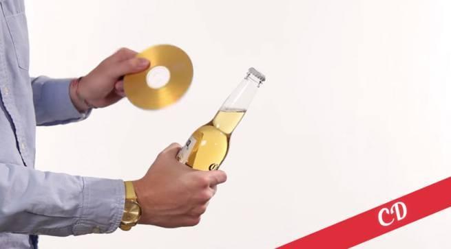 21 sposobów na otwieranie butelek 10 płytą CD