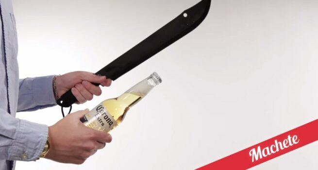 21 sposobów na otwieranie butelek 18 maczetą