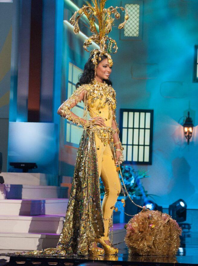 Miss Universe 2015 - 36 - Guyana