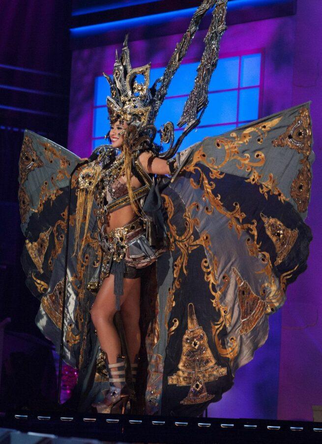 Miss Universe 2015 - 41 - Indonesia