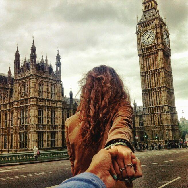 Follow me Murad Osmann w podróży po całym świecie za swoją dziewczyną Natalią Zakharovą 13