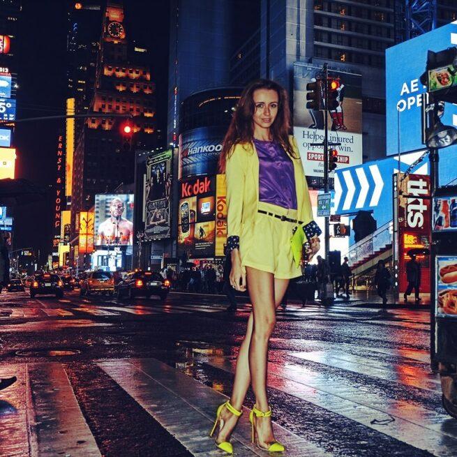 Follow me Murad Osmann w podróży po całym świecie za swoją dziewczyną Natalią Zakharovą 18