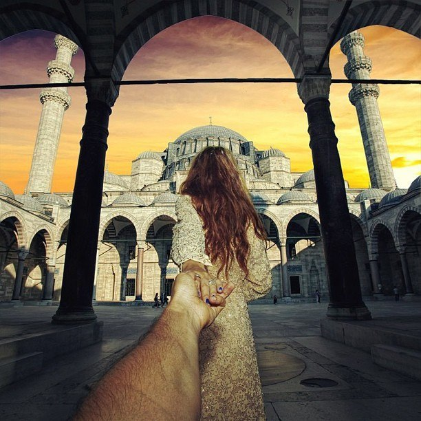 Follow me Murad Osmann w podróży po całym świecie za swoją dziewczyną Natalią Zakharovą 35