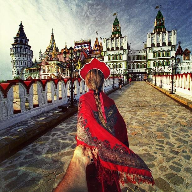 Follow me Murad Osmann w podróży po całym świecie za swoją dziewczyną Natalią Zakharovą 40