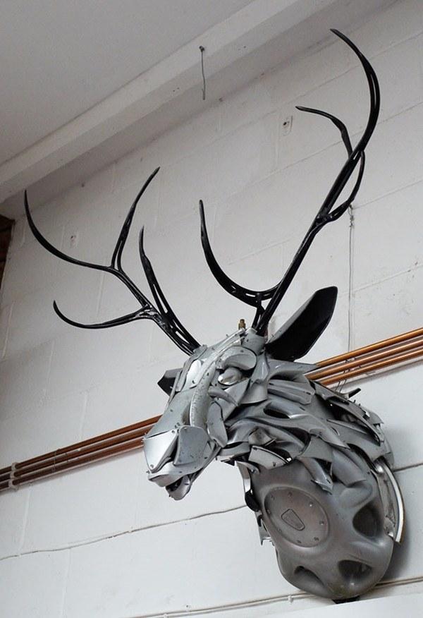 Niesamowite rzeźby zwierząt z kołpaków 12