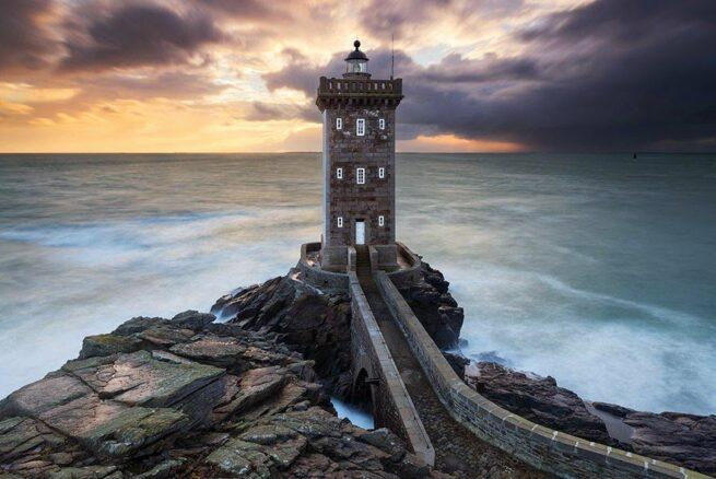 Zapierając dech w piersiach zdjęcia latarni morskich 13