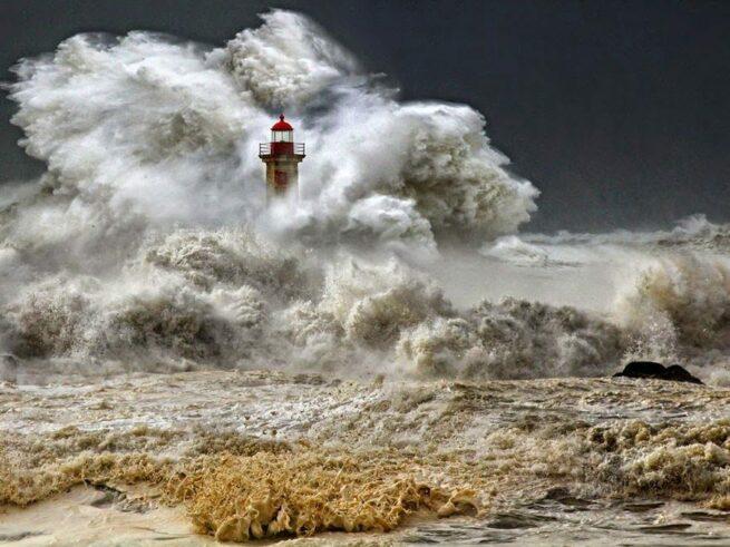 Zapierając dech w piersiach zdjęcia latarni morskich 22