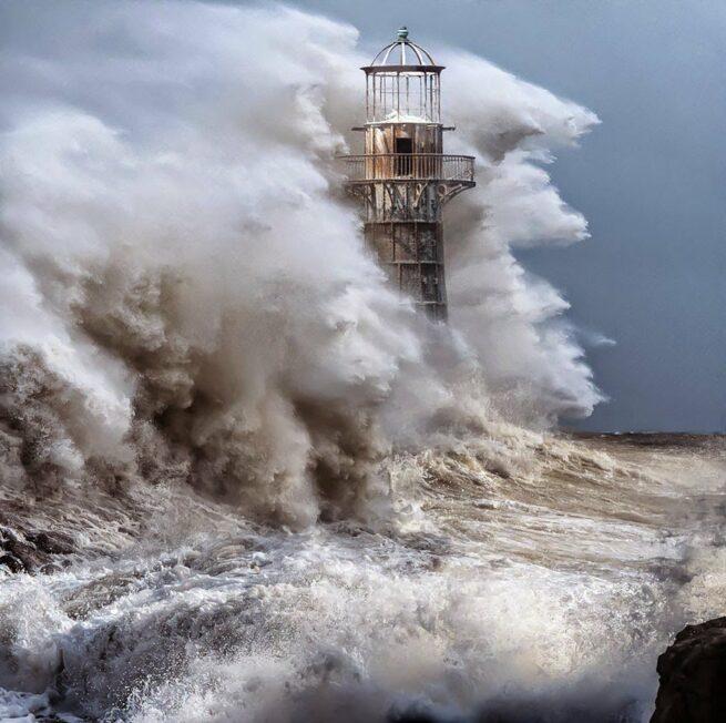 Zapierając dech w piersiach zdjęcia latarni morskich 29