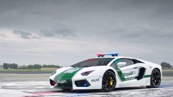 policja-dubaj-2014-topgear-4