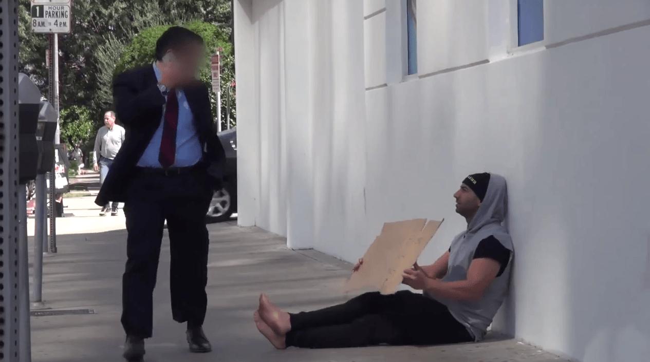 udawał bezdomnego