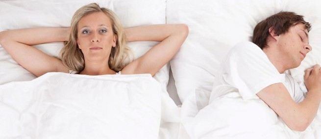 Dlaczego kobiety tak długo zbierają się do snu